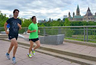 Trudeau y Peña Nieto corren en Ottawa