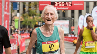 ed whitlock record maraton de toronto