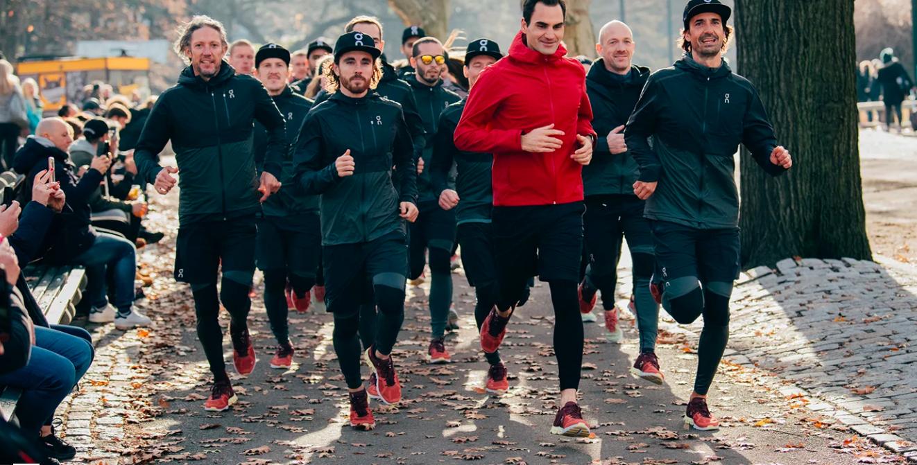 roger federer tenis on running