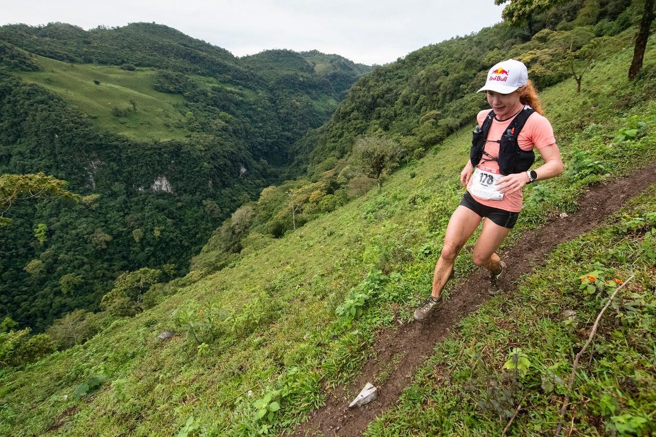 Ekaterina Mityaeva desafio en las nubes